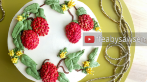 Buttercream fruit & flower wreath cakes 3/6: Lychee and lychee flower