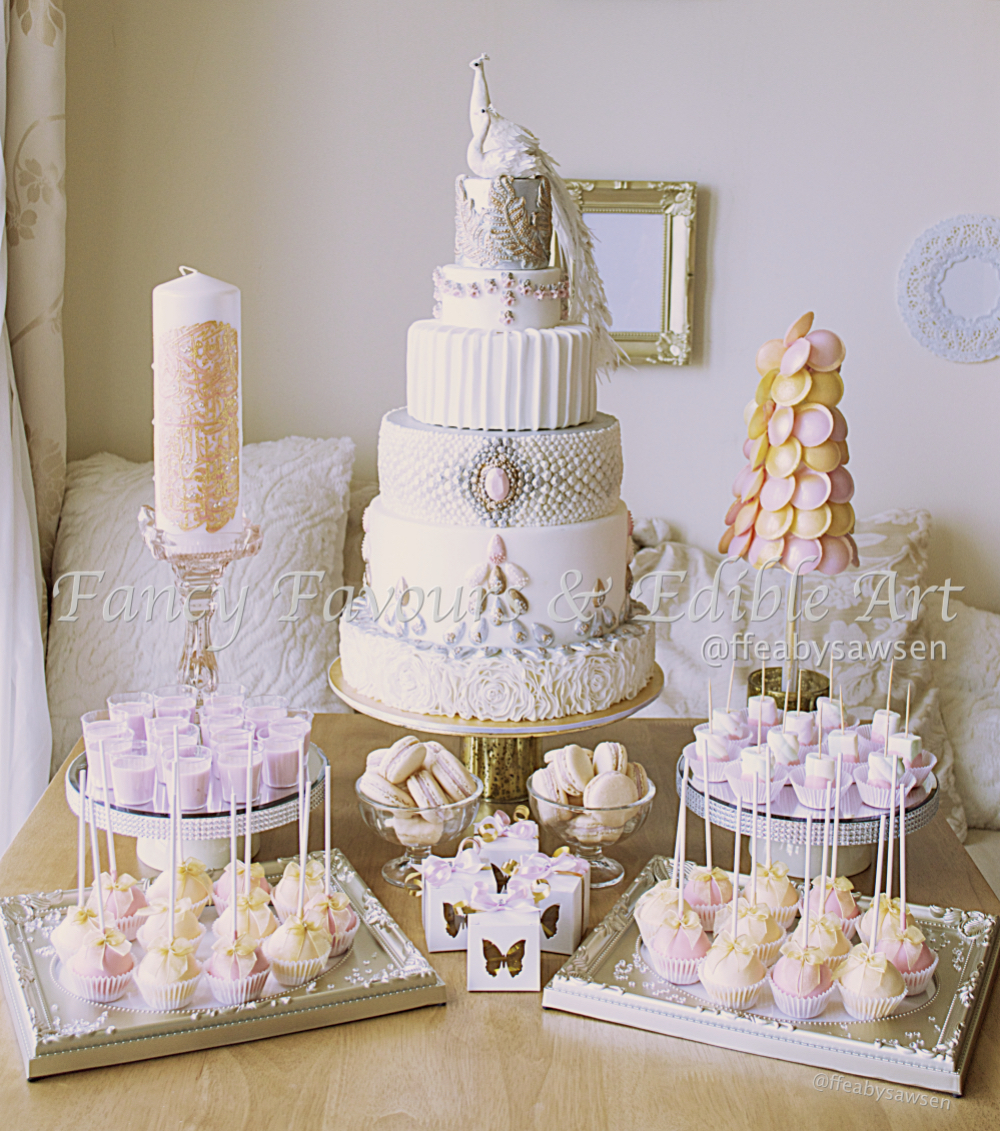 Dessert Table Wedding Cake: Fancy Favours & Edible Art